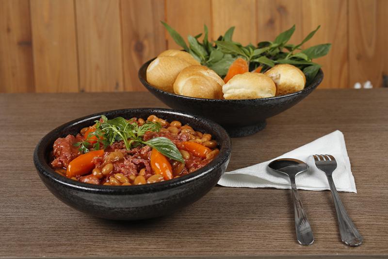 Ayam brand bò nấu đậu